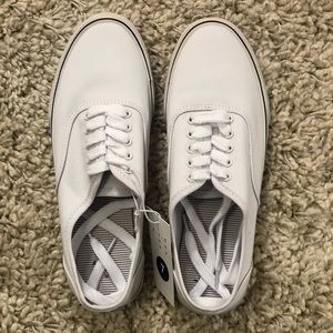 NWT White Casual Sneaker